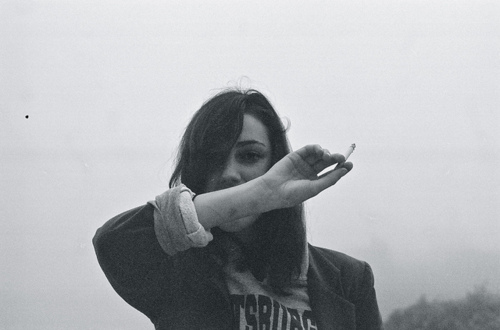 cigarette-cute-fashion-girl-hipster-Favim.com-126897