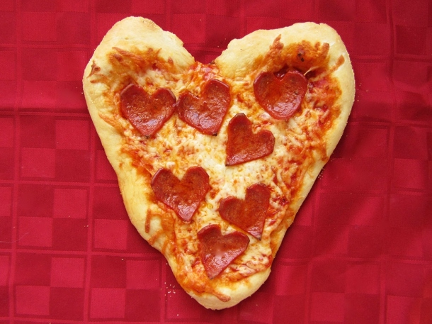 heart pizza - pepperoni