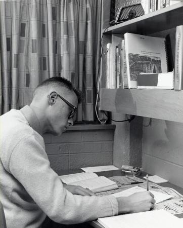 Vintage College Dorm (37)